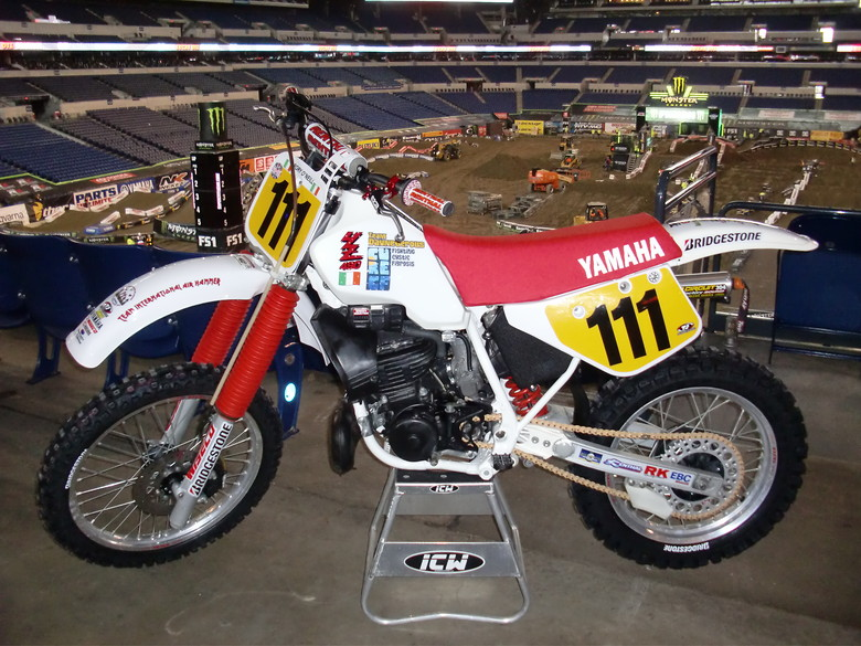S780_my_1989_yamaha_yz490w_parts_unlimited_showcase_indy_in._8th_april_16_13