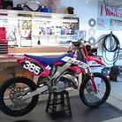 onthepipe385's 2004 CR125