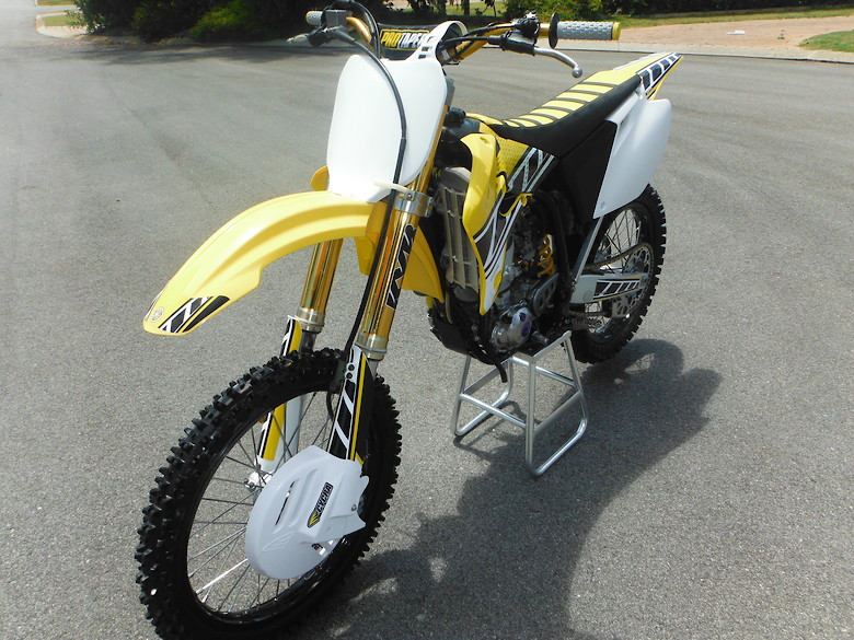RENTHAL R1 GOLD MX 520 CHAIN  YAMAHA YZ YZ125 YZ250 YZF YZ250F YZ450F Motocross