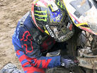 Changing the rear wheel with Ricky Carmichael