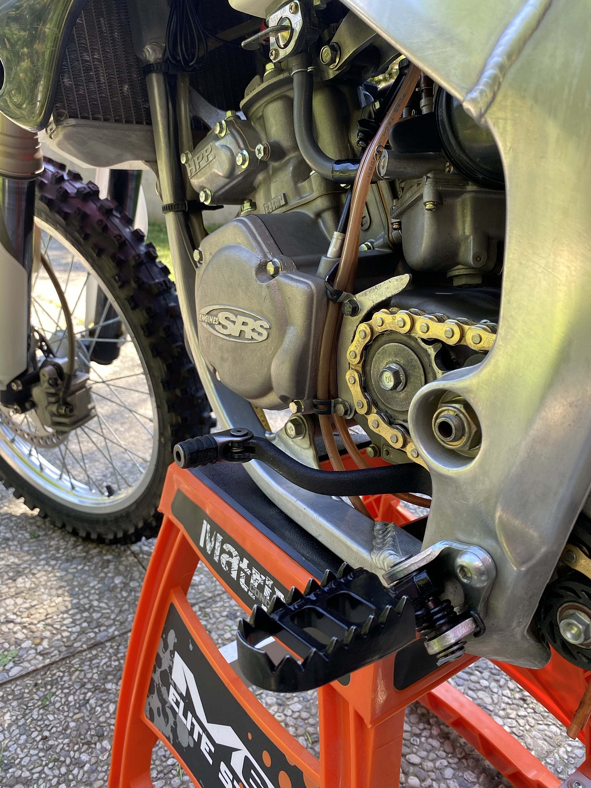 Footpegs HRC + Pedal HRC - Debegio - Motocross Pictures - Vital MX