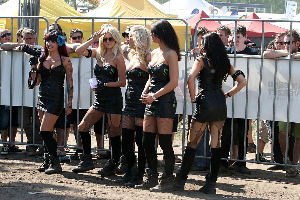 Monster girls - Dutch GP racing photos - Motocross Pictures - Vital MX