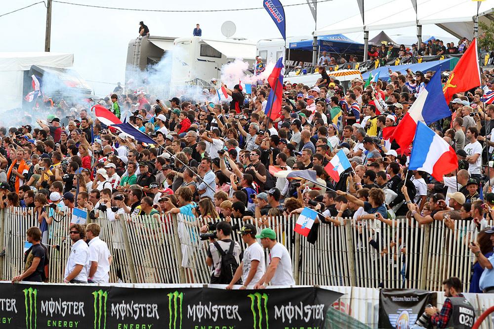 The crowd - MXoN Saturday Qualifing racing. - Motocross Pictures - Vital MX