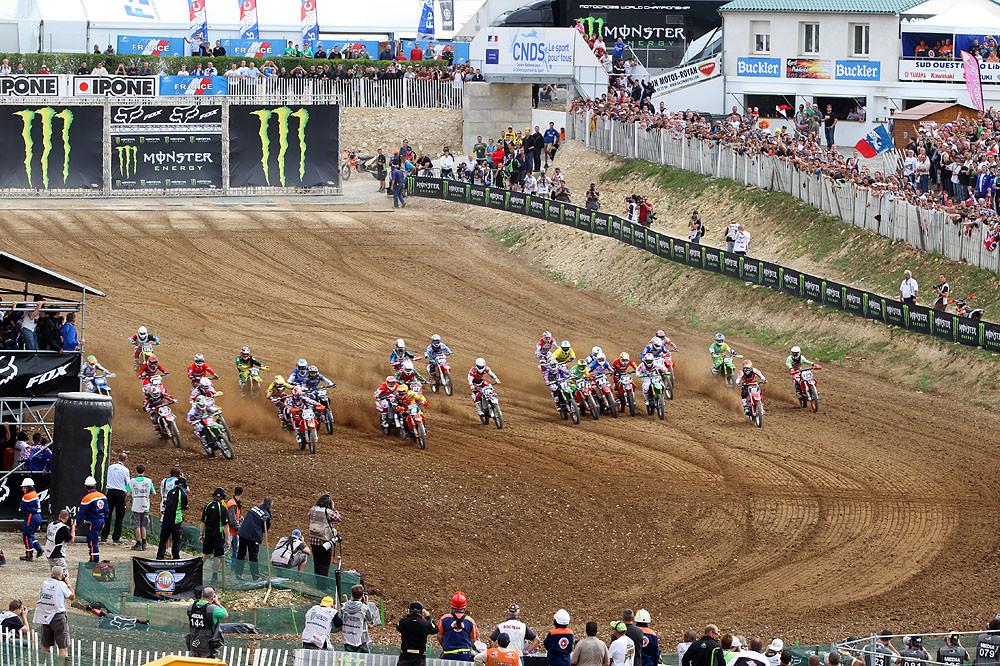 MX2 start - MXoN Saturday Qualifing racing. - Motocross Pictures - Vital MX