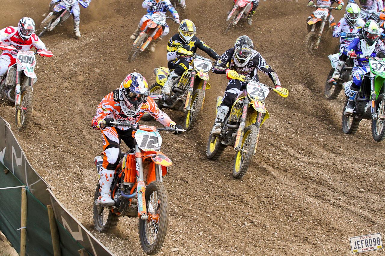 MX1 moto 2 start - Czech GP Sunday Racing pictures - Motocross Pictures - Vital MX