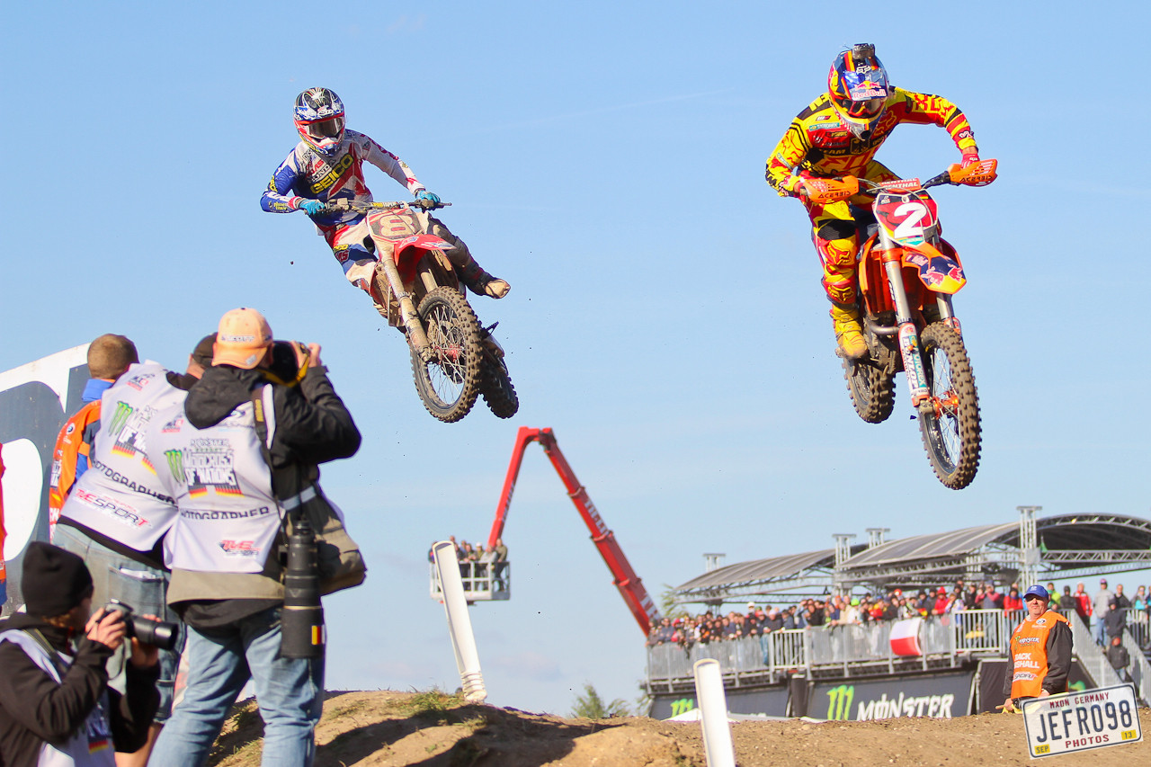 Roczen vs Tomac - Photo Blast: MXoN Sunday Racing - Motocross Pictures - Vital MX