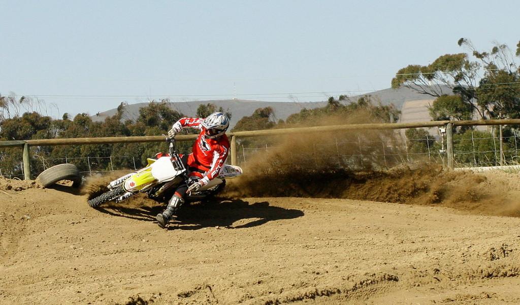 Berm Blasting 1 - dirtbike - Motocross Pictures - Vital MX