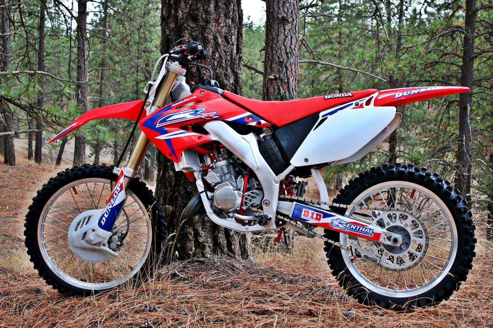 2005 CR125