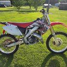 2004 cr 125