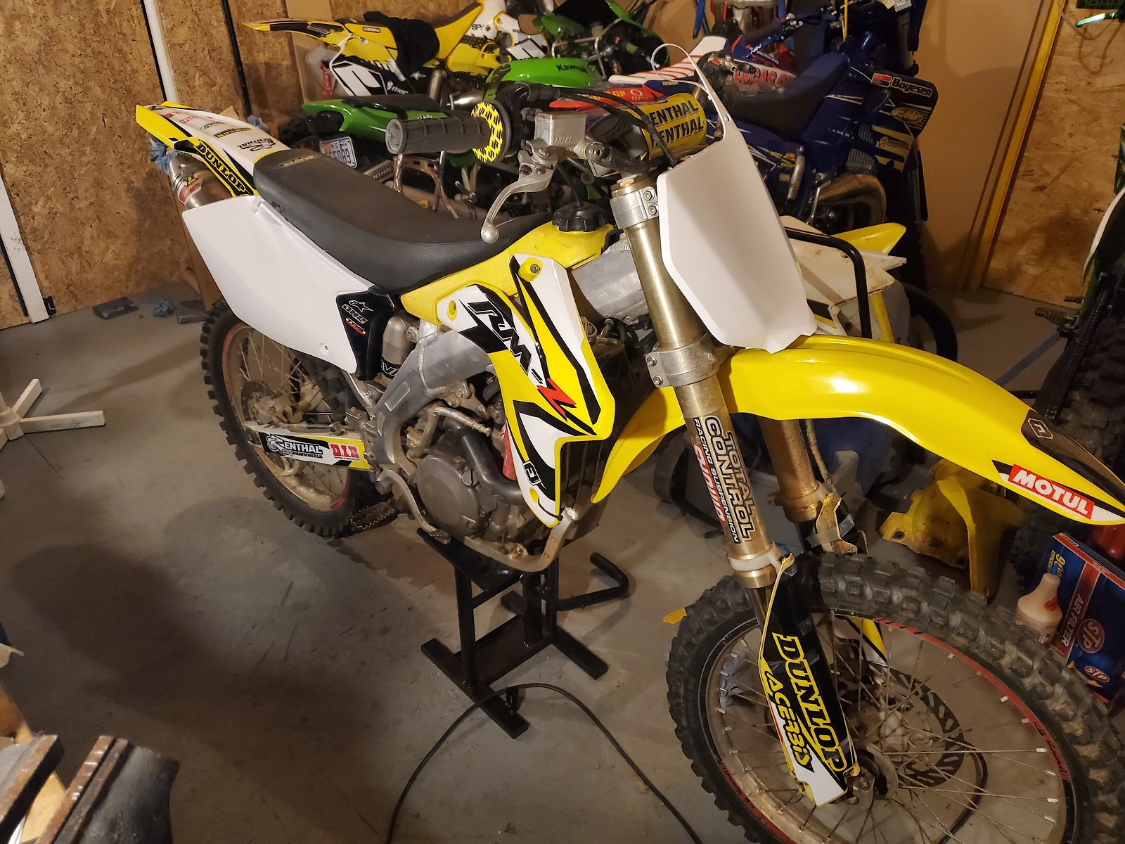 2005 rmz450
