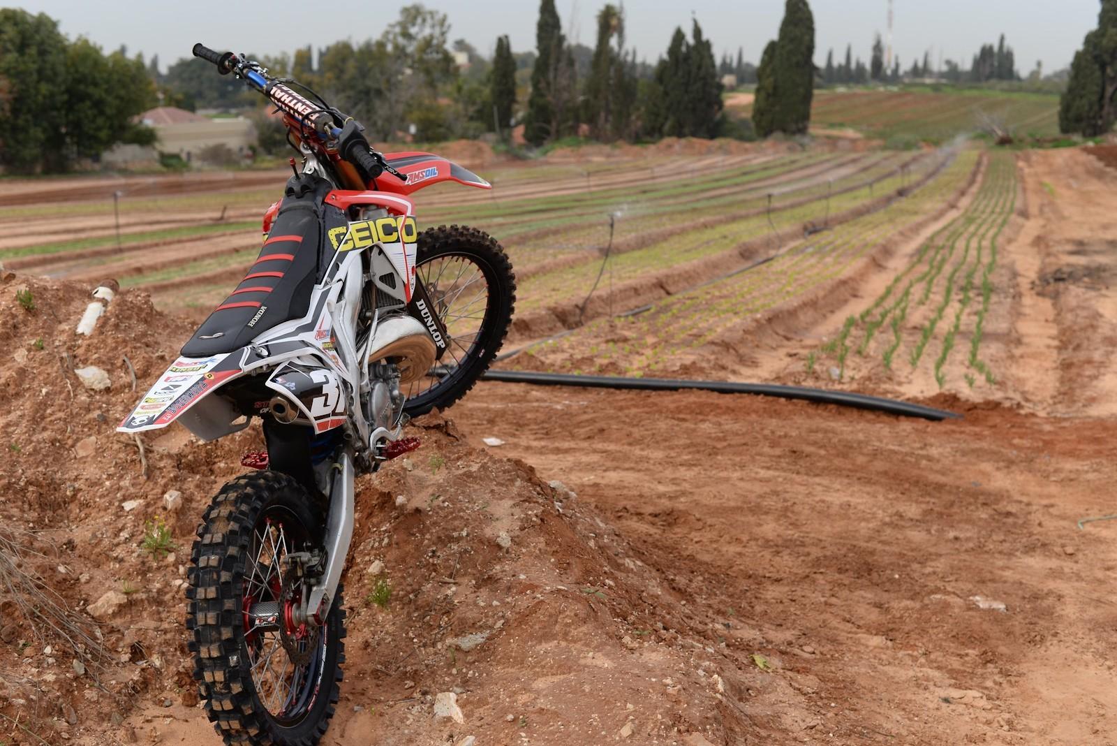 27504096 10215599861607294 6601172594884949642 o - Yotam - Motocross Pictures - Vital MX