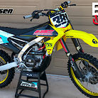 Factory Yellow YZ450F