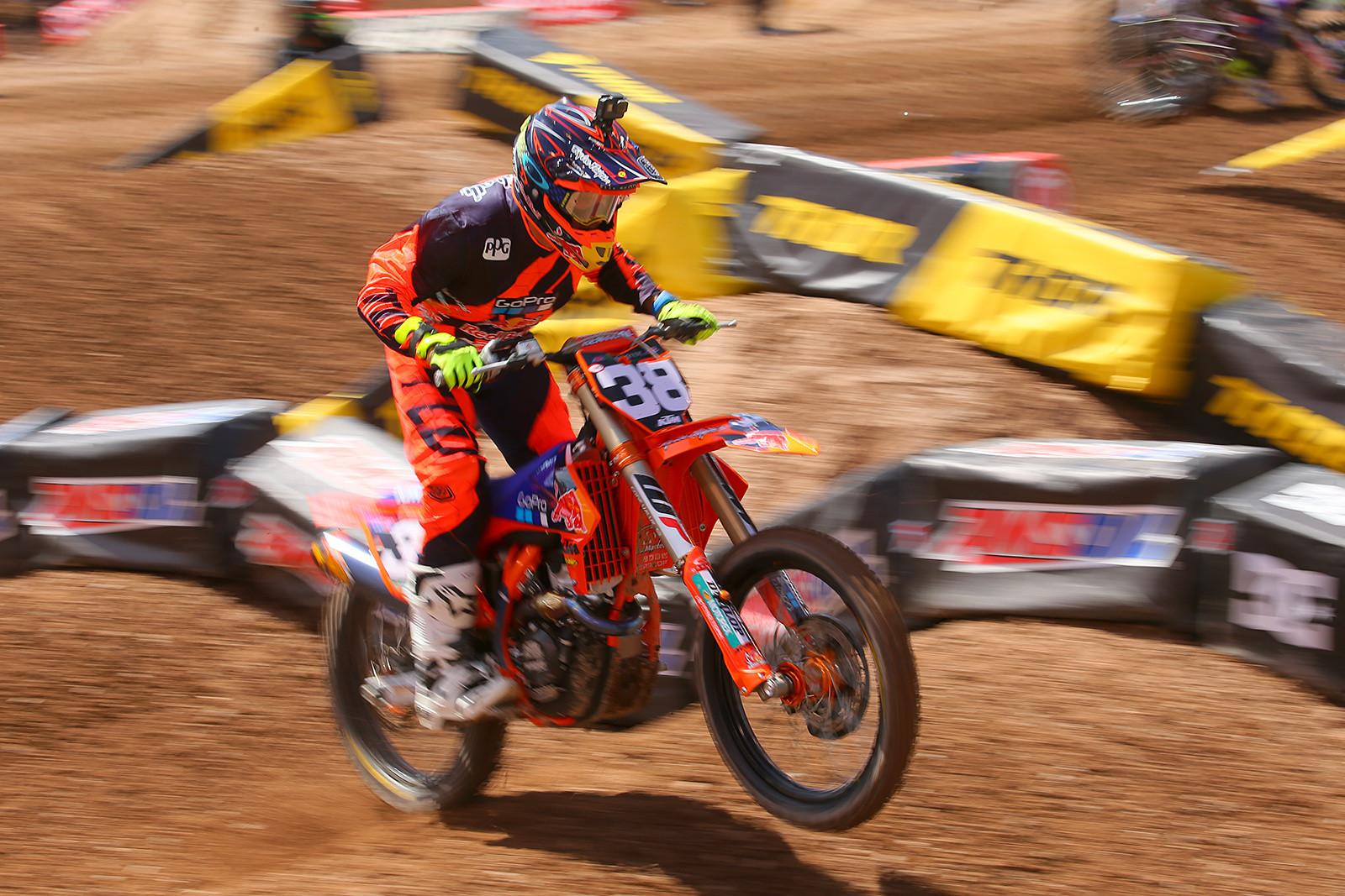 Shane McElrath - Vital MX Pit Bits: Salt Lake City - Motocross Pictures - Vital MX