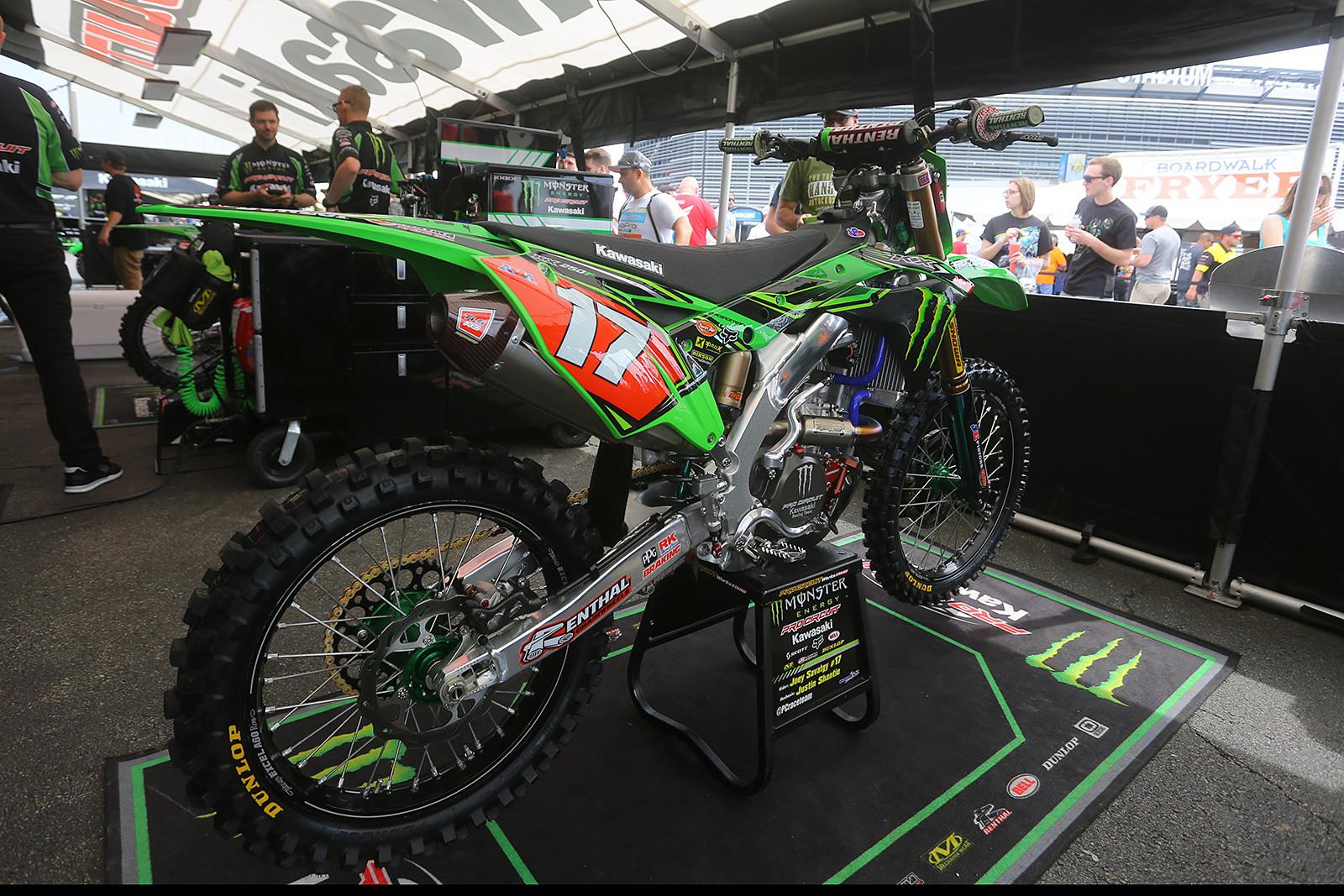 Joey Savatgy - Vital MX Pit Bits: East Rutherford - Motocross Pictures - Vital MX
