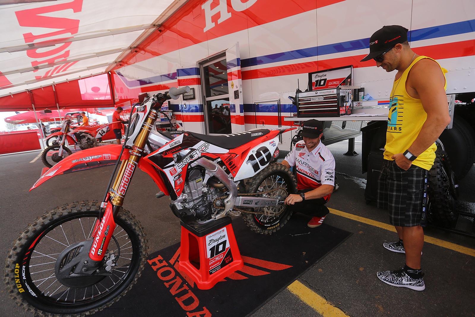 Justin Brayton - Vital MX Pit Bits: East Rutherford - Motocross Pictures - Vital MX
