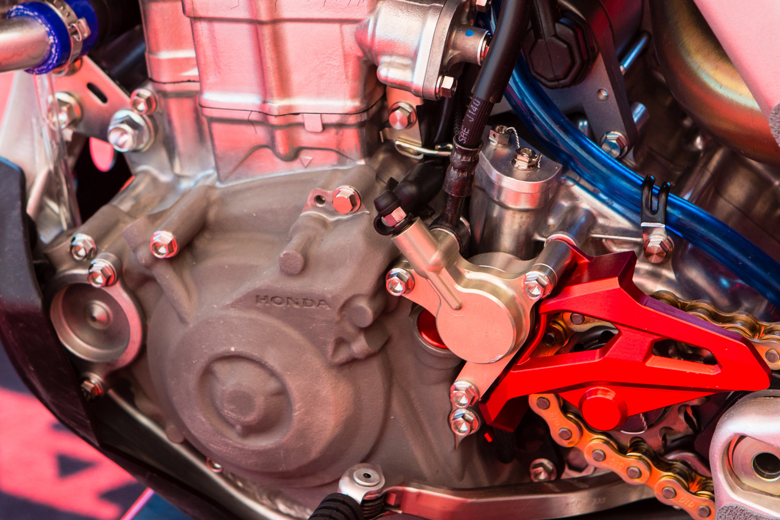 Hydraulic clutches - Vital MX Pit Bits: Hangtown - Motocross Pictures - Vital MX