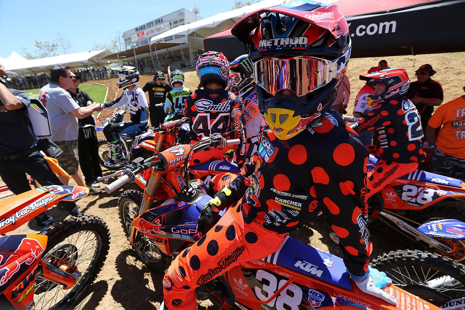 Shane McElrath - Vital MX Pit Bits: Hangtown - Motocross Pictures - Vital MX