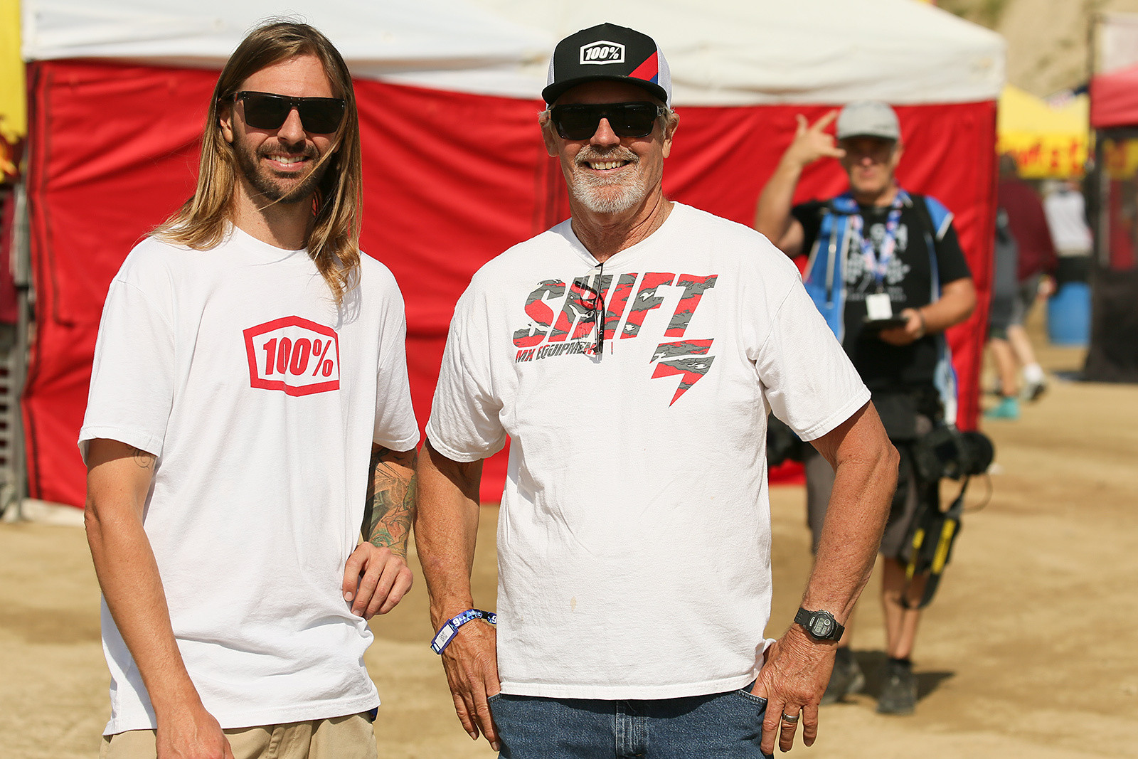 Andy Bakken and his dad, A.C. - Vital MX Pit Bits: Glen Helen - Motocross Pictures - Vital MX