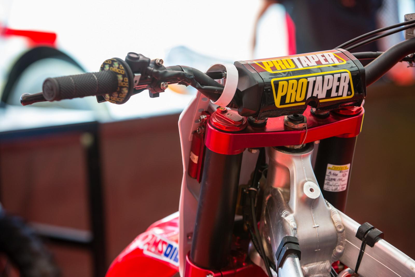 Cameron McAdoo - Vital MX Pit Bits: Glen Helen - Motocross Pictures - Vital MX