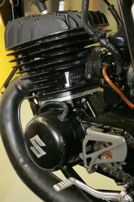 Vintage Suzuki 4 - Vintage Suzuki - Motocross Pictures - Vital MX