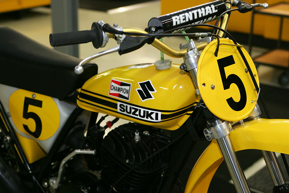 Vintage Suzuki 5 - Vintage Suzuki - Motocross Pictures - Vital MX