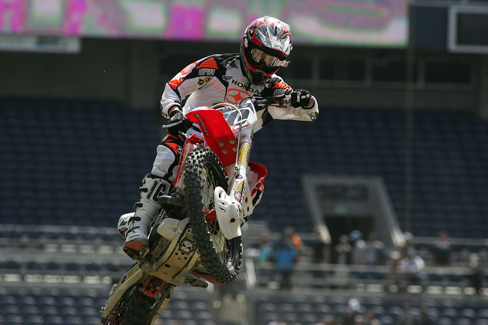 Josh Grant - Vital MX Pit Bits: Seattle 2008 - Motocross Pictures - Vital MX