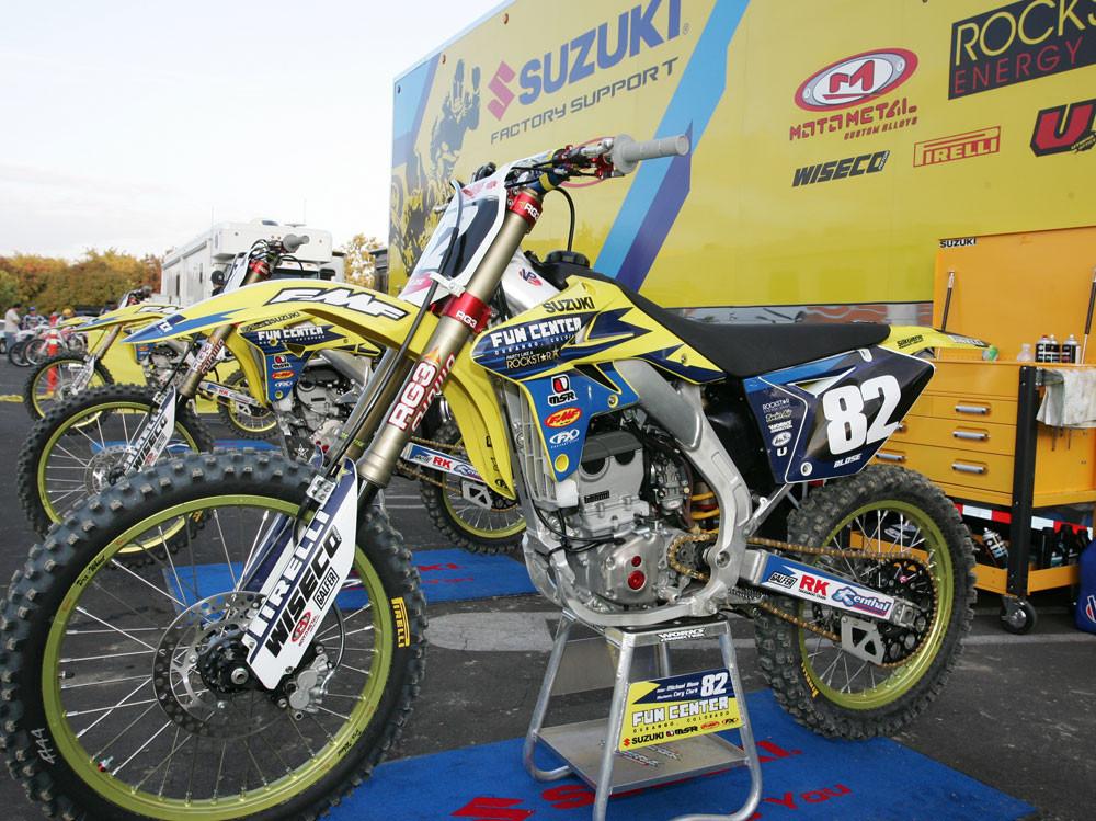 Fun Center Suzuki - 2006/2007 BooKoo Arenacross Round 1 - Motocross Pictures - Vital MX