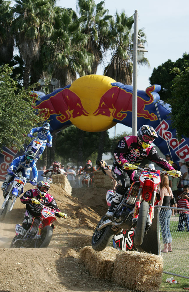 Two by two - 2006 Duel at the Docks AMA Supermoto Finals - Motocross Pictures - Vital MX