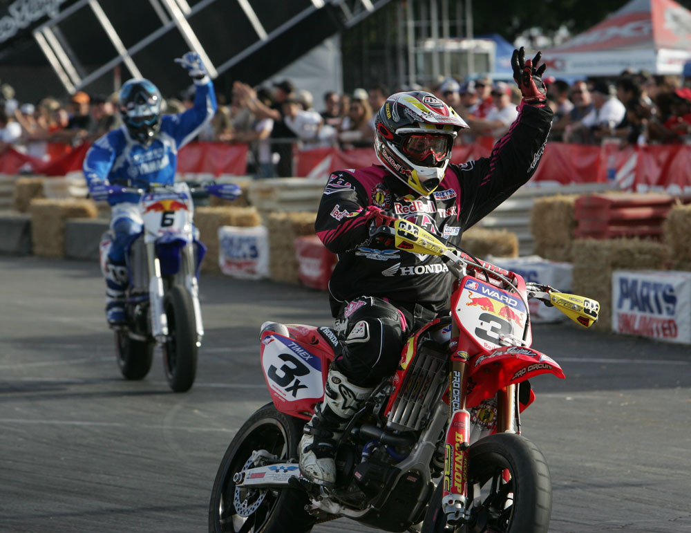 Jeff Ward and Mark Burkhart - 2006 Duel at the Docks AMA Supermoto Finals - Motocross Pictures - Vital MX