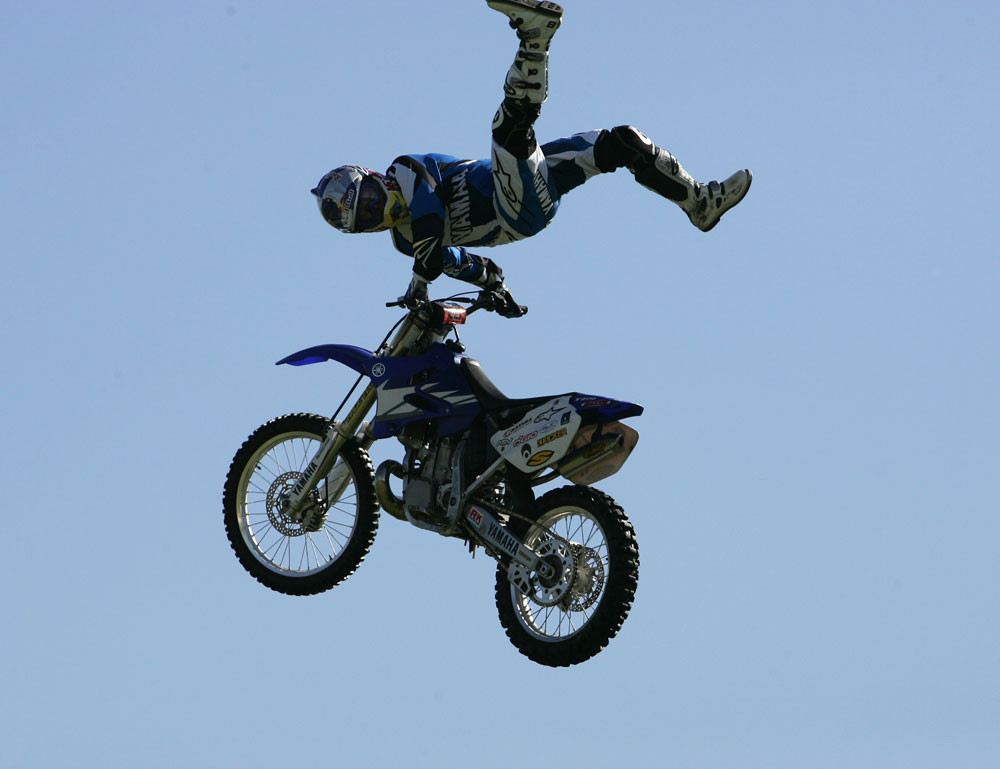 Tommy Clowers - 2007 Yamaha Team Intro - Motocross Pictures - Vital MX