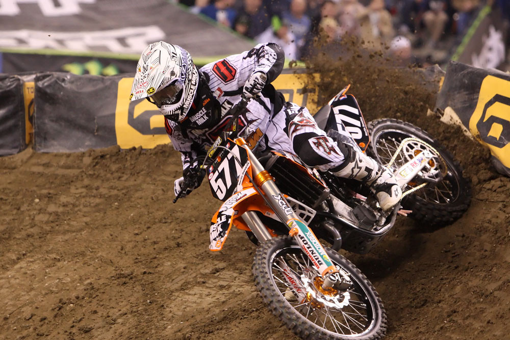 Martin Davalos - Monster Energy Supercross: Indianapolis 2009 - Motocross Pictures - Vital MX