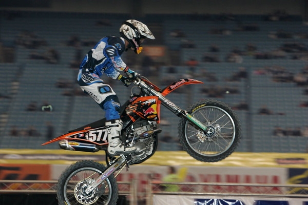 James Stewart and Jeremy Albrecht - 2006 Vancouver Supercross Saturday Pit Bits - Motocross Pictures - Vital MX