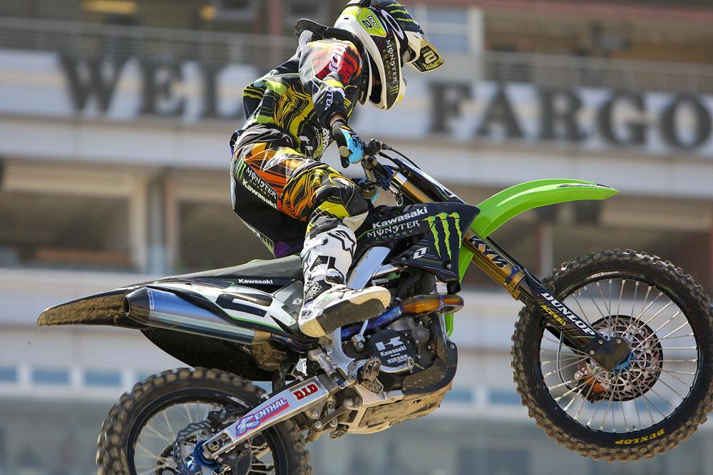 Ryan Villopoto - Vital MX Pit Bits: Las Vegas 2011 - Motocross Pictures - Vital MX