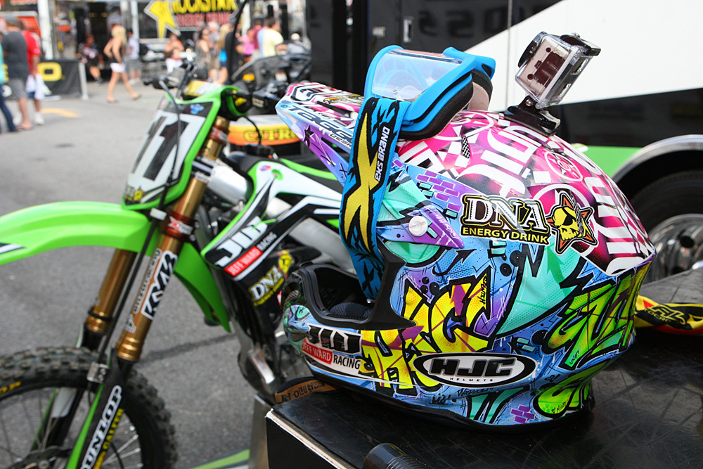 If You Miss Custom Painted Helmets Click This Moto Related