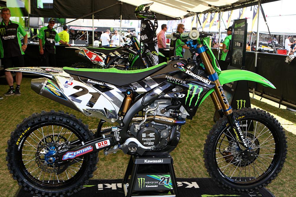 Monster Energy Kawasaki - Vital MX Pit Bits: Las Vegas - Motocross Pictures - Vital MX