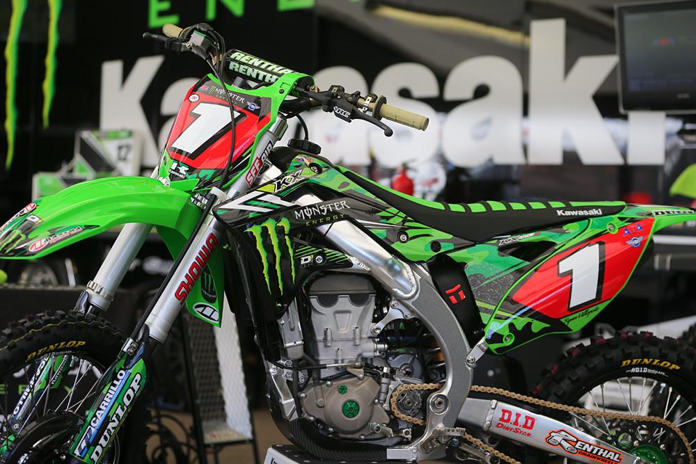 Ryan Villopoto - Vital MX Pit Bits: San Diego - Motocross Pictures - Vital MX
