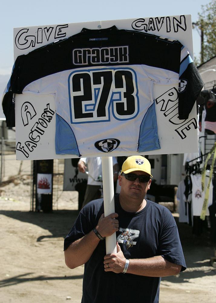 Fan Power - Vital MX Pit Bits: Glen Helen 2007 - Motocross Pictures - Vital MX