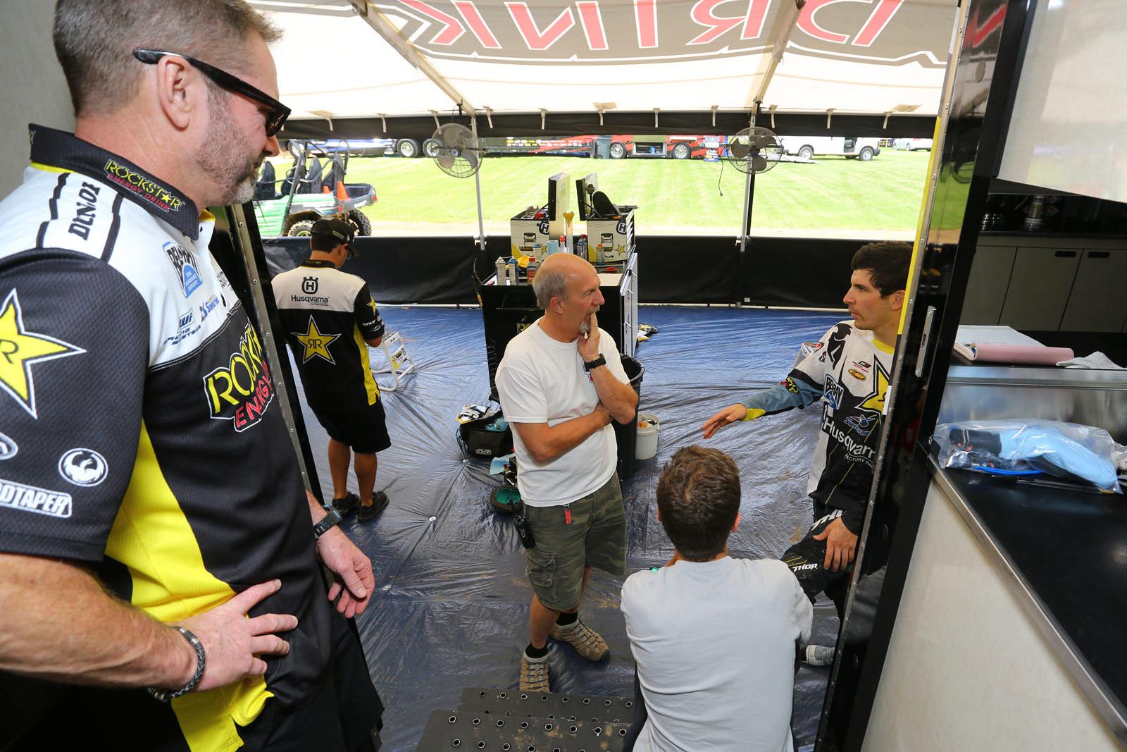 John Ayers - Vital MX Pit Bits: RedBud - Motocross Pictures - Vital MX