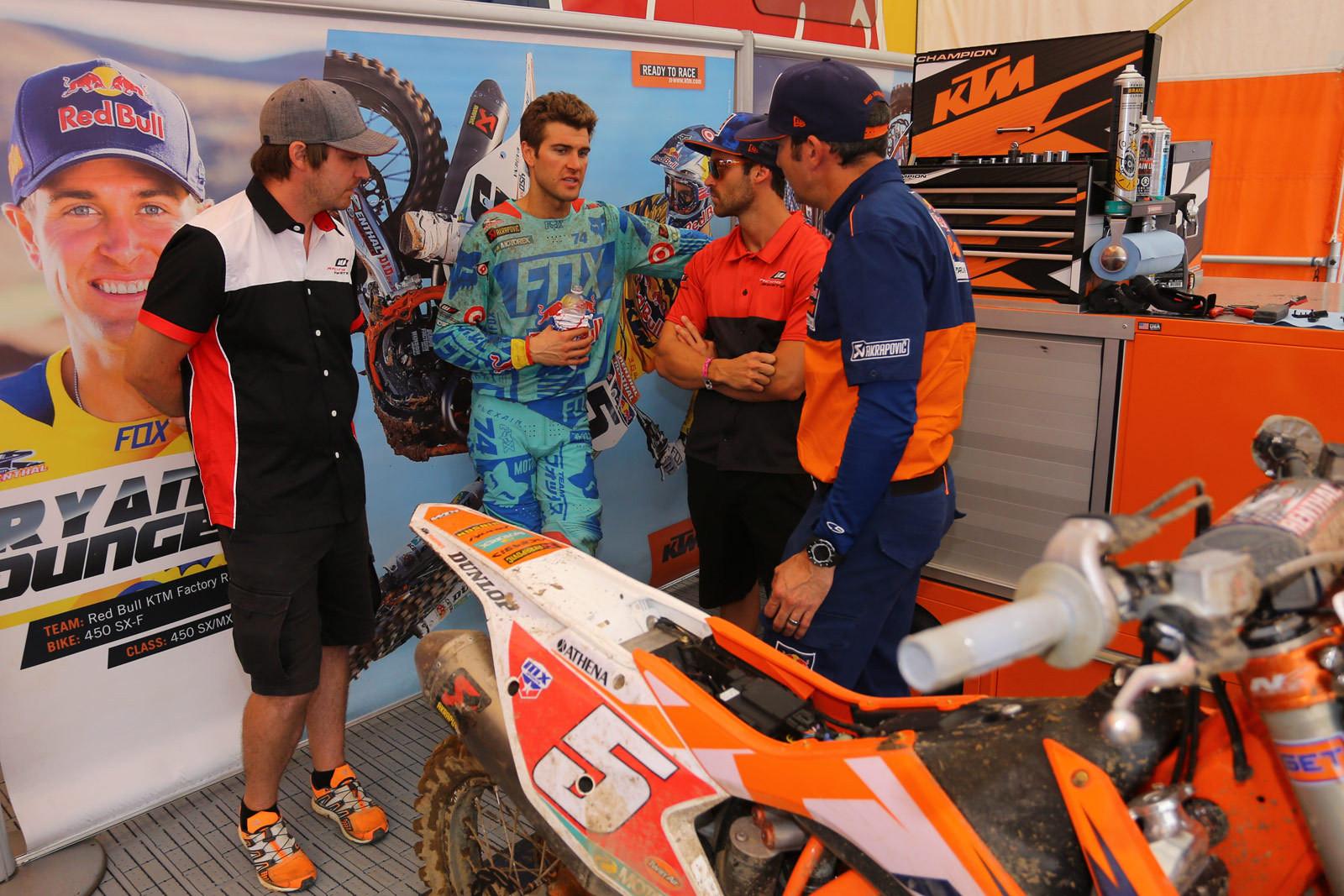 Ryan Dungey - Vital MX Pit Bits: RedBud - Motocross Pictures - Vital MX