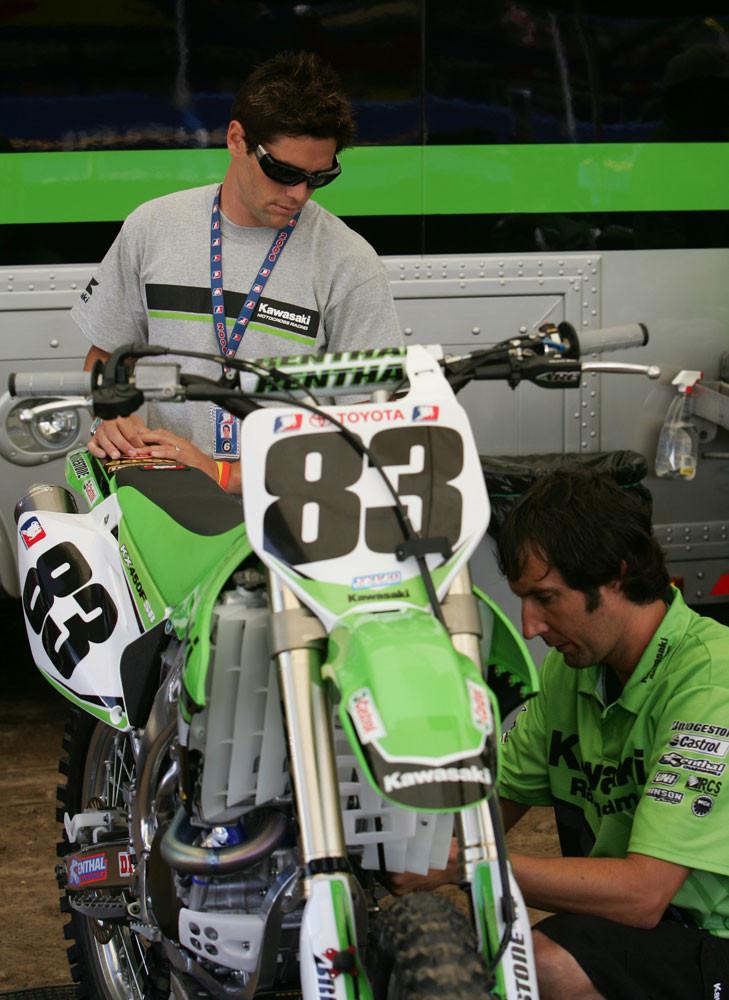 Michael Young - Pit Bits: Glen Helen '06 - Motocross Pictures - Vital MX