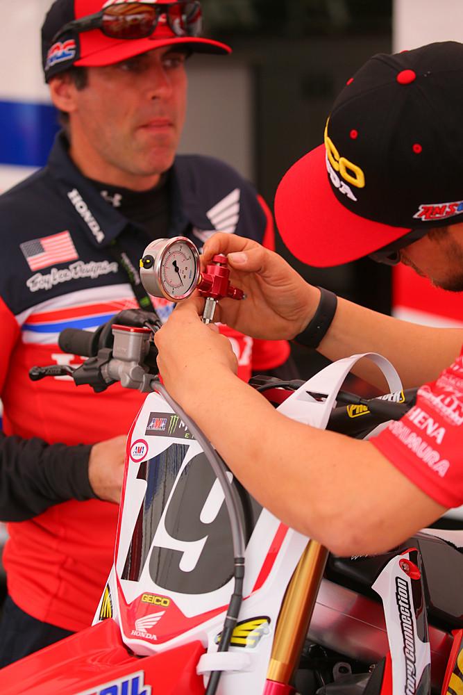 Pressure check - Vital MX Pit Bits: Anaheim 1 - Motocross Pictures - Vital MX