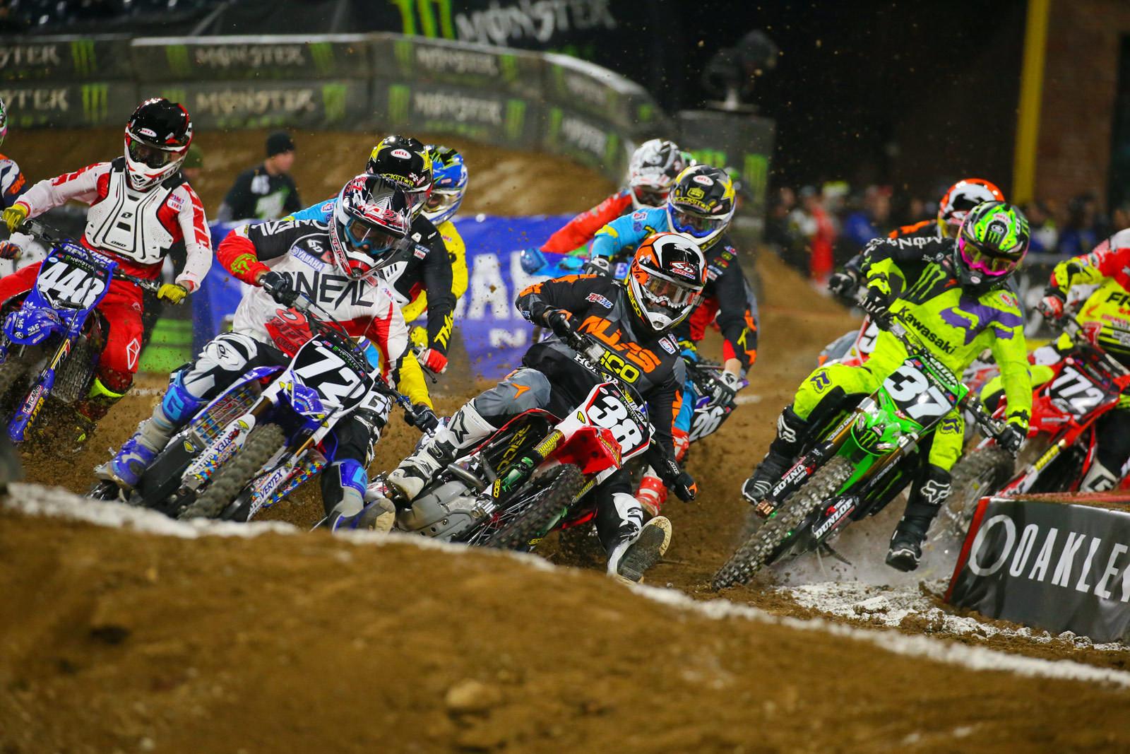 250 Heat 1 Start - Photo Blast: San Diego 1 - Motocross Pictures - Vital MX