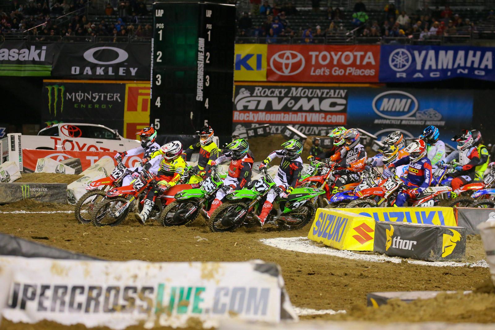 250 Heat Race One Start - Photo Blast: Oakland - Motocross Pictures - Vital MX