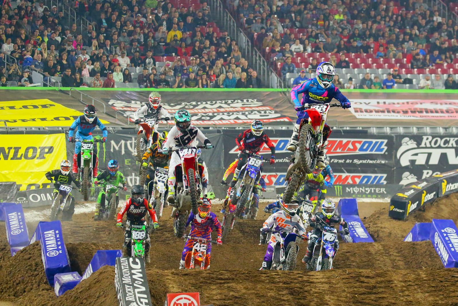 250 Heat Race Two Start - Photo Blast: Glendale - Motocross Pictures - Vital MX