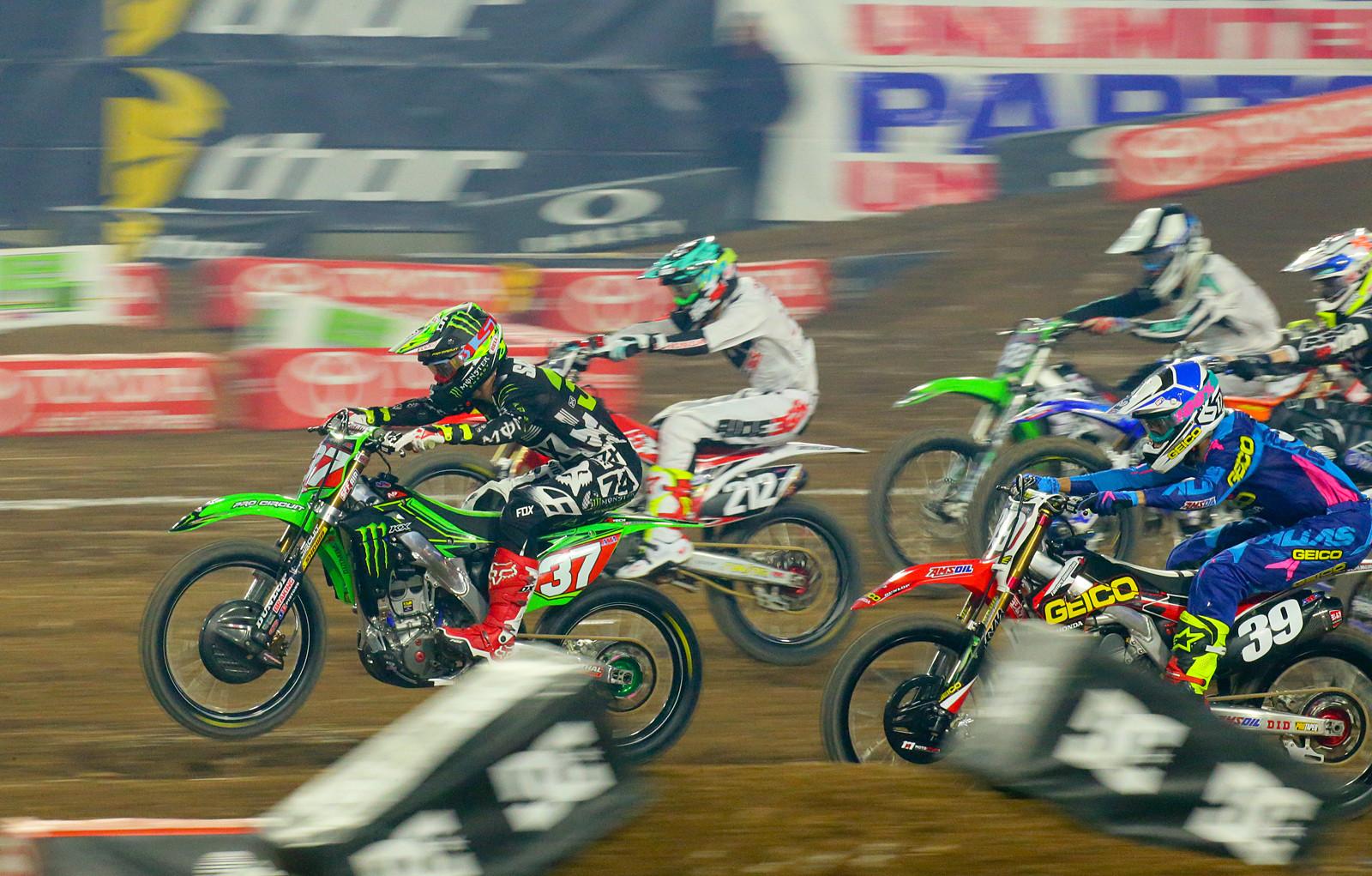 250 Heat Race One Start - Photo Blast: Glendale - Motocross Pictures - Vital MX