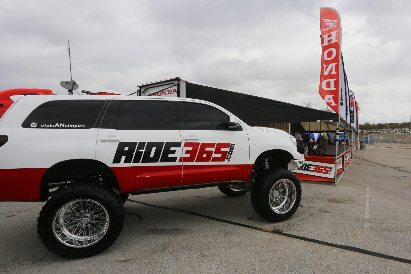 Cool rig - Vital MX Pit Bits: Arlington - Motocross Pictures - Vital MX
