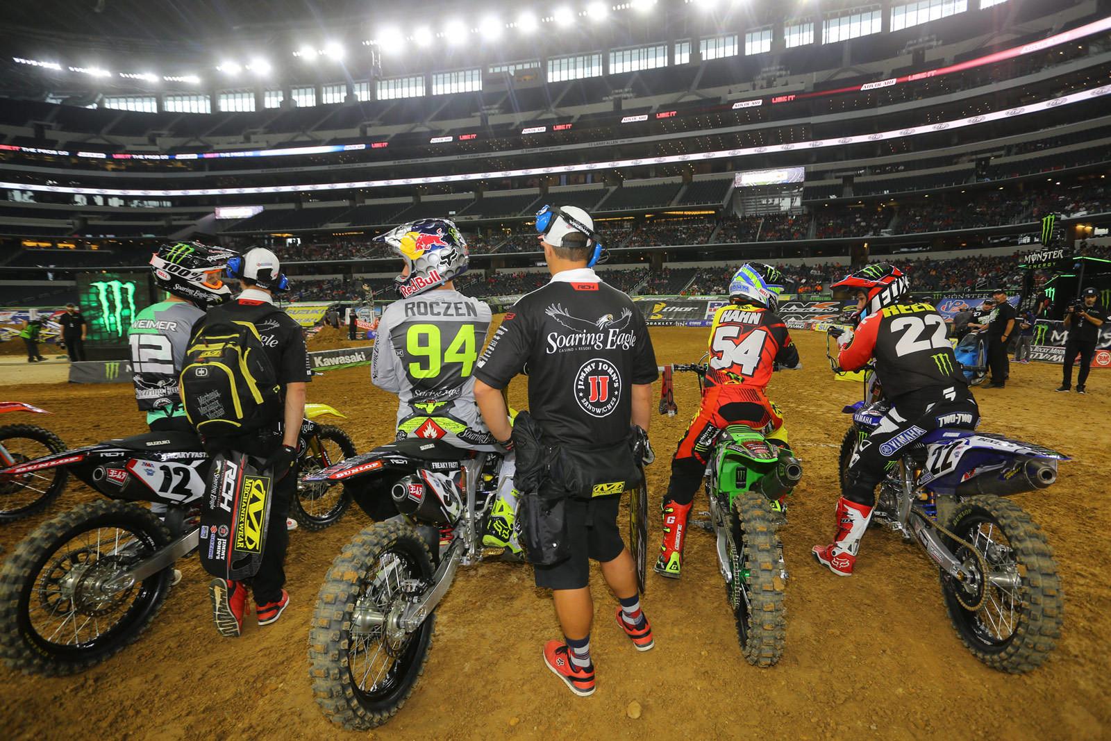 Waiting - Vital MX Pit Bits: Arlington - Motocross Pictures - Vital MX