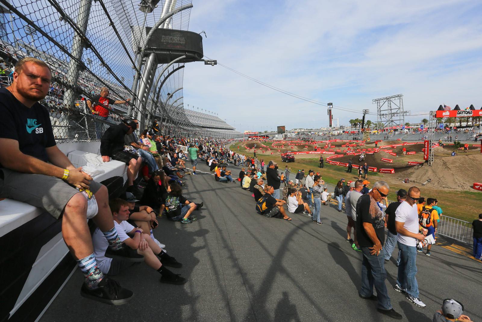 Tri-Oval - Vital MX Pit Bits: Daytona - Motocross Pictures - Vital MX