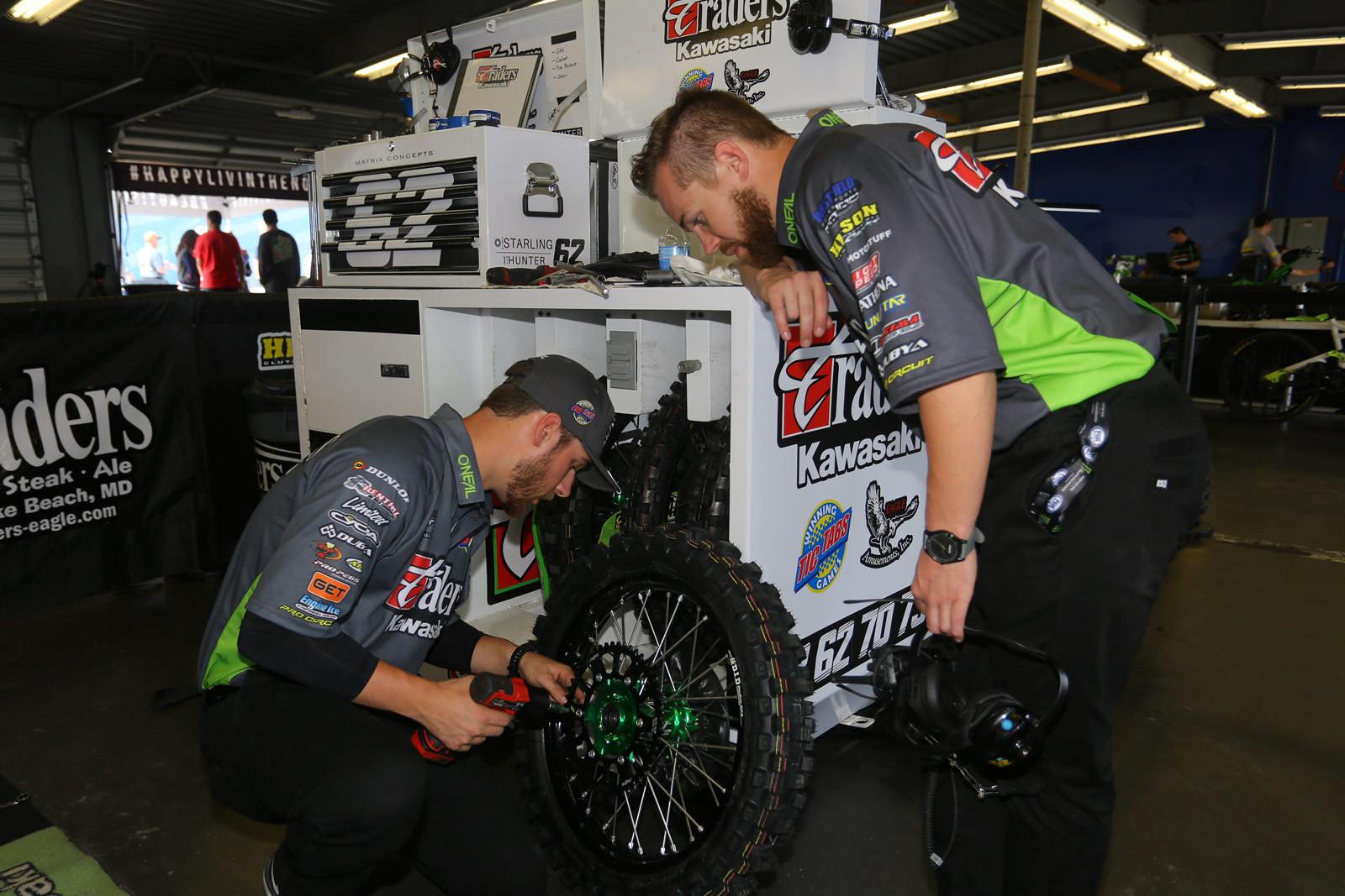 Gearing - Vital MX Pit Bits: Daytona - Motocross Pictures - Vital MX
