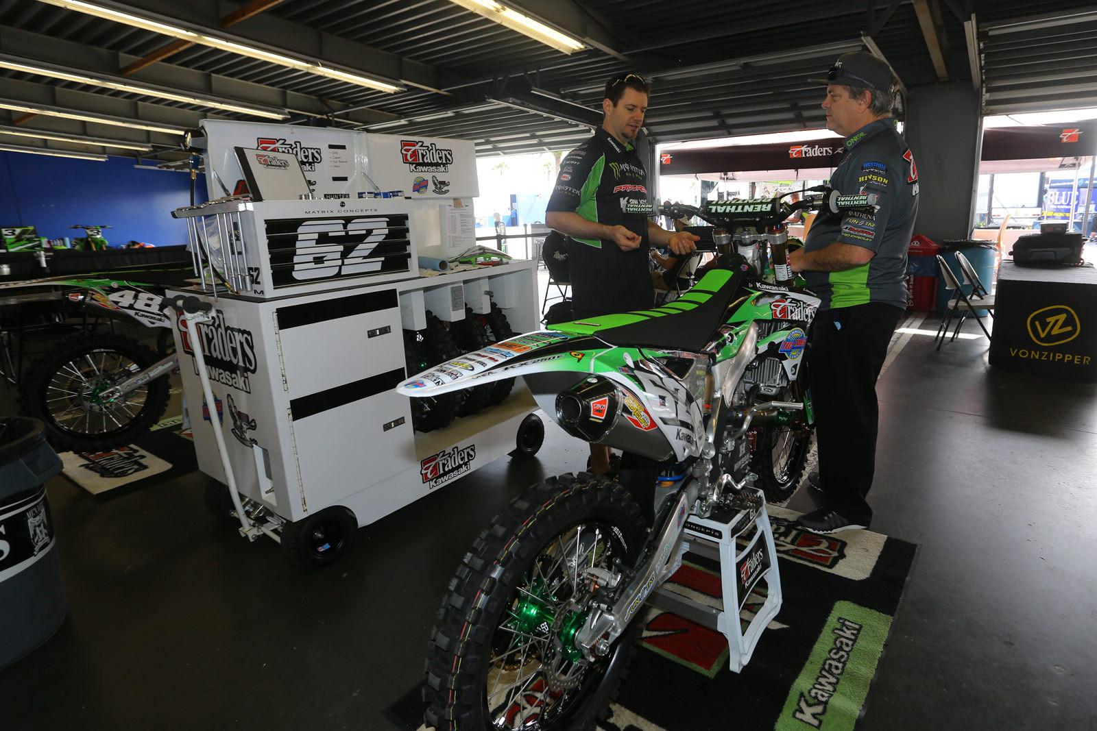 Skip Norfolk - Vital MX Pit Bits: Daytona - Motocross Pictures - Vital MX